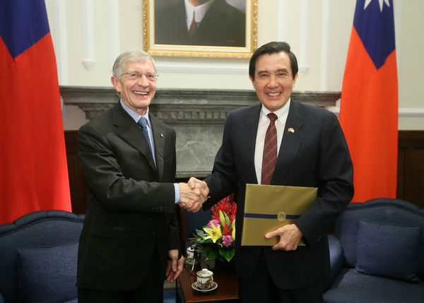 Provost Burish with President Ma Ying-jeou of Taiwan
